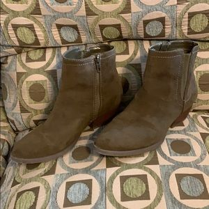 Merona Olive Army Green 8.5 Suede Bootie Boot Low